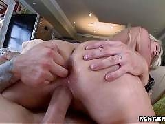 Hardcore anal for a big ass white girl. Layla Price