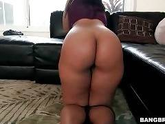 Big Bottomed Caramel Chick Poses For You 1